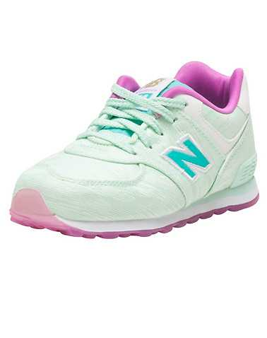 NEW BALANCE GIRLS Medium Green Footwear / Sneakers