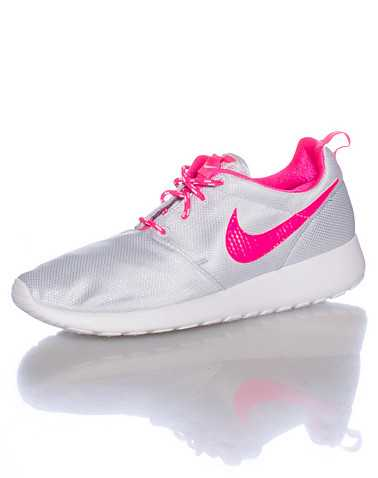 NIKE GIRLS Silver Footwear / Running 4.5Y