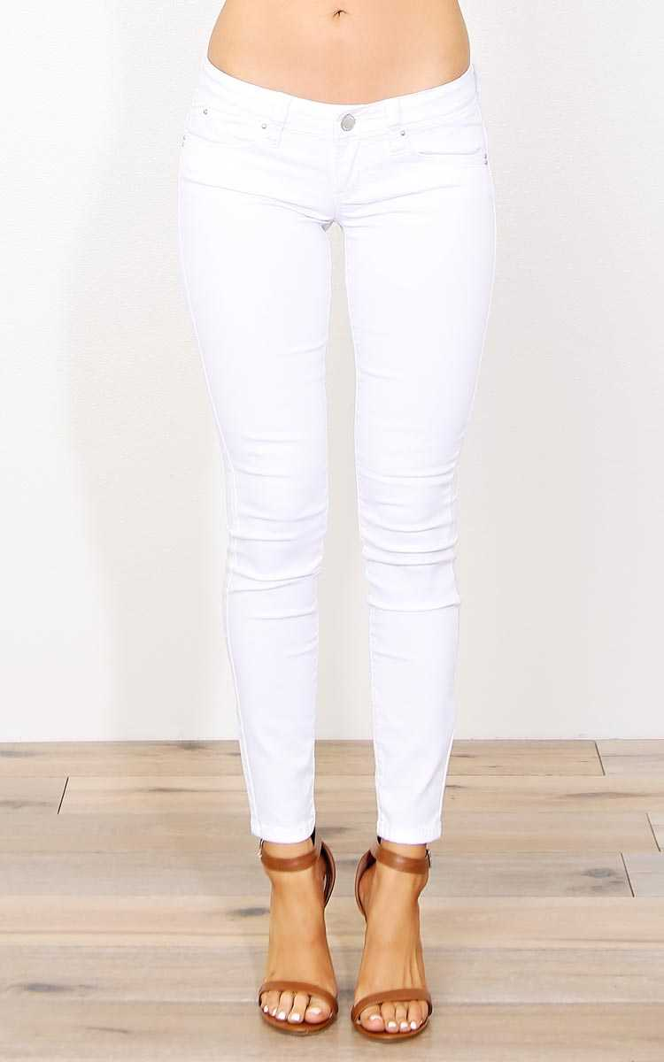 YMI Wanna Betta Butt White Twill Pants - White in Size 11 by Styles For Less