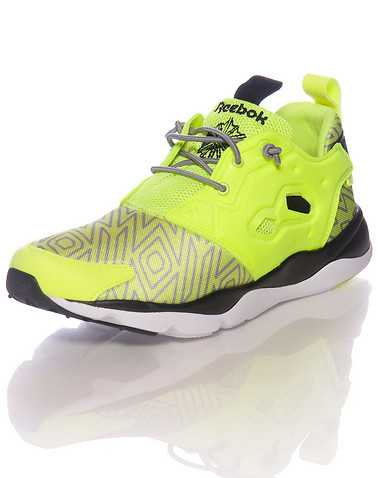 REEBOK BOYS Yellow Footwear / Sneakers 6
