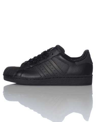 adidas BOYS Black Footwear / Sneakers 5.5Y