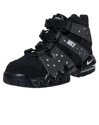 NIKE BOYS Black Footwear / Sneakers 6Y