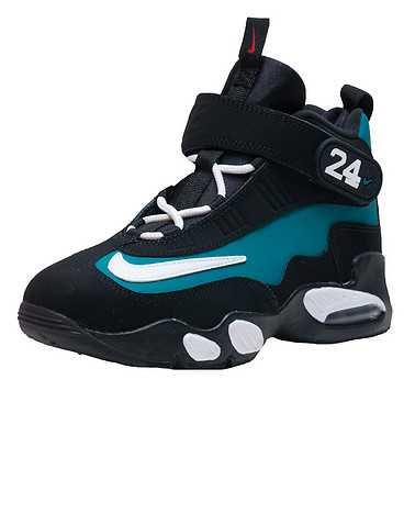 NIKE GIRLS Medium Green Footwear / Sneakers